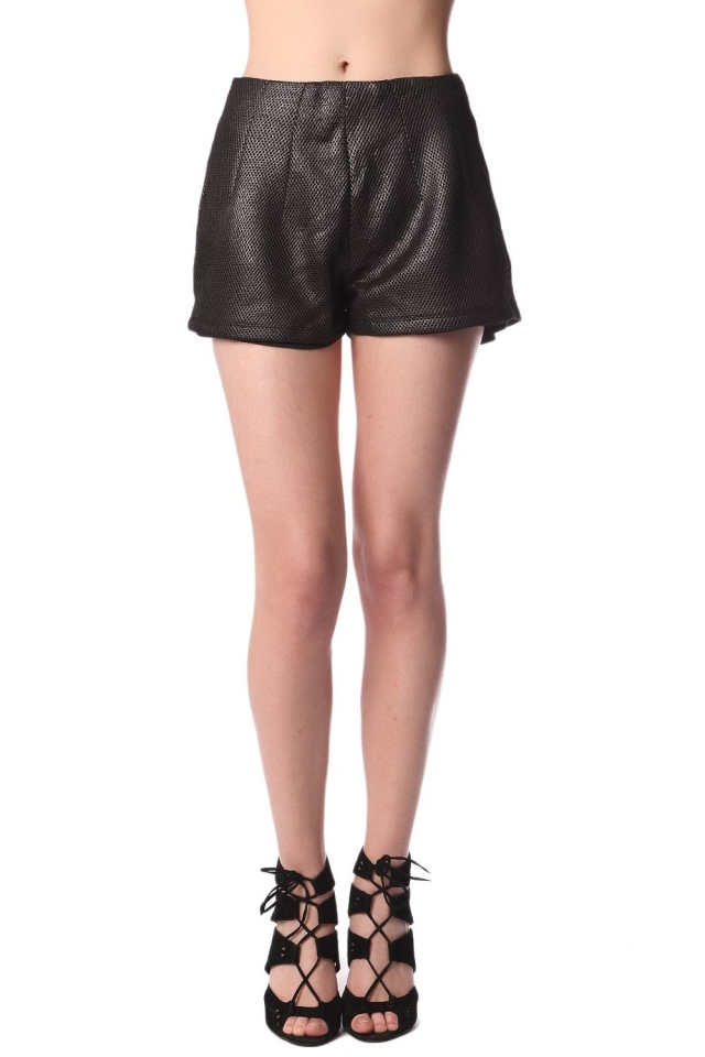 Pantaloncini nero con texture metallizzata