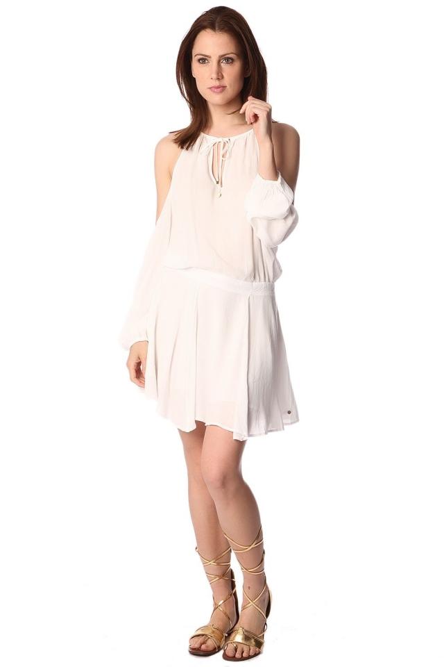 Vestito bianco con spalle scoperte e collo alto con laccetti davanti