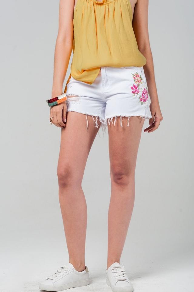 Shorts denim bianco com fiori ricamati