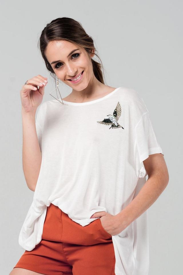 T-shirt oversize bianco con dettagli ricamati