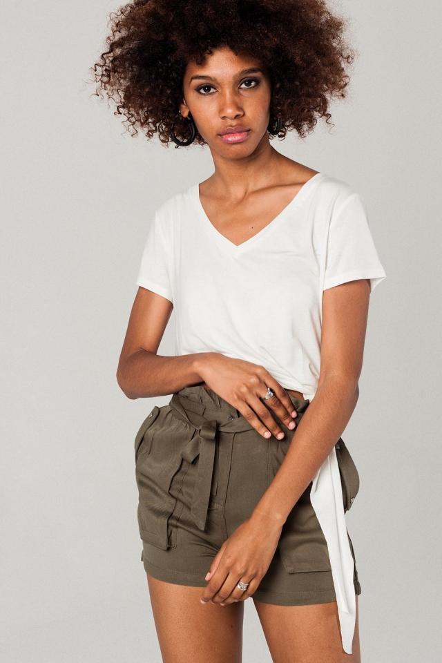 T-shirt bianca asimmetrica
