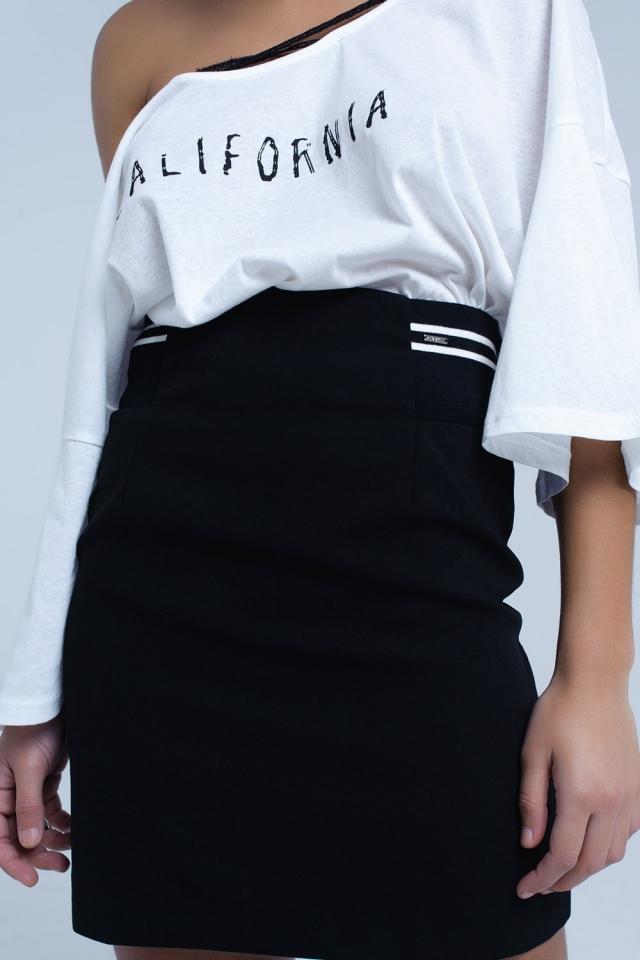 Gonna nera con dettaglio laterale elastico e strisce bianche