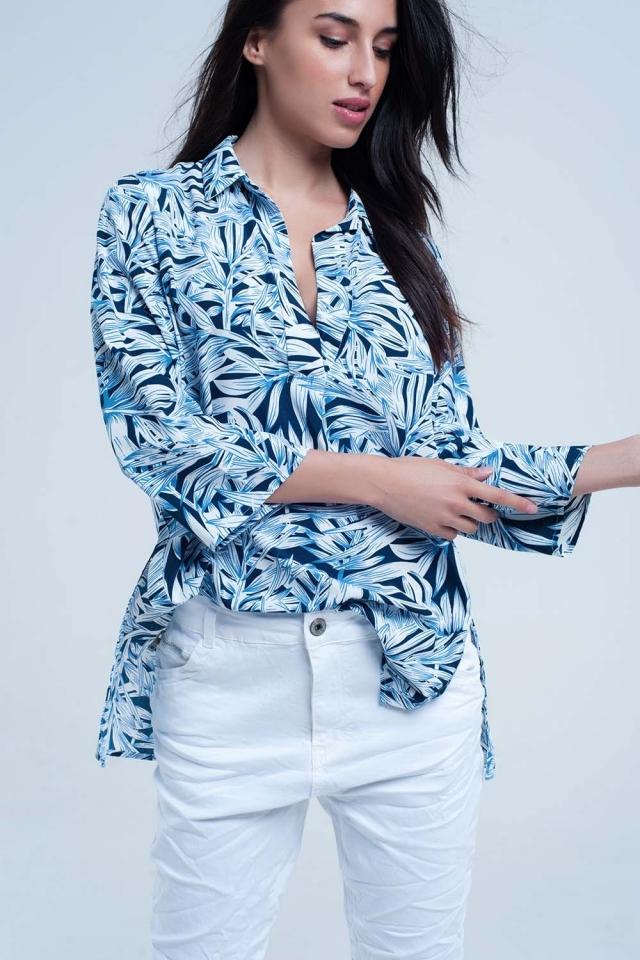 Camicia blu con stampa foglia
