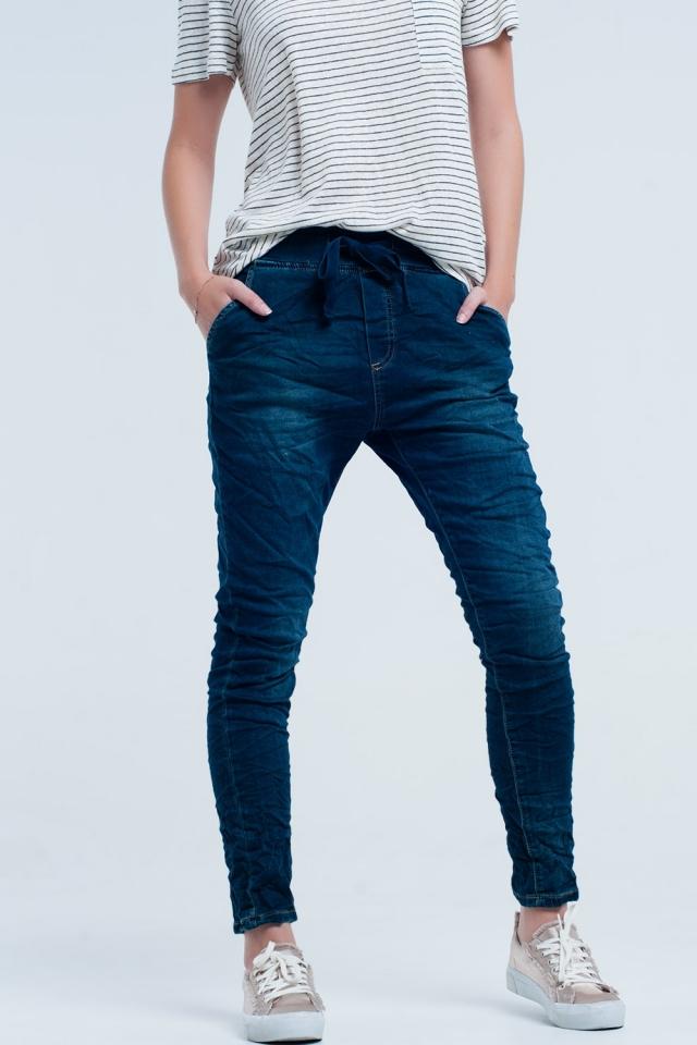 Boyfriend blue jeans con elastico in vita