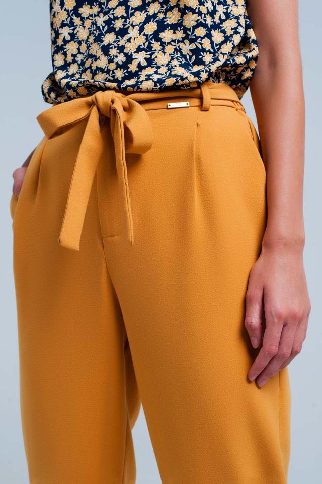 Pantalone senape a vita alta con cintura