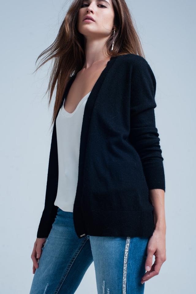 giacca a maglia nera con angora manica lunga