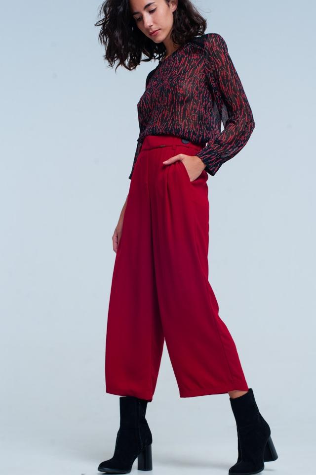 Gonna pantalone rosso con fondo ampio e Dettagli cintura