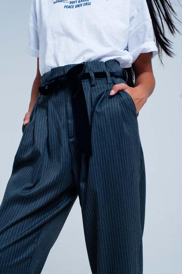 Pantaloni a strisce a vita alta grigi