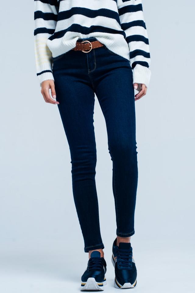 Jeans push-up lavaggio scuro con cuciture a contrasto