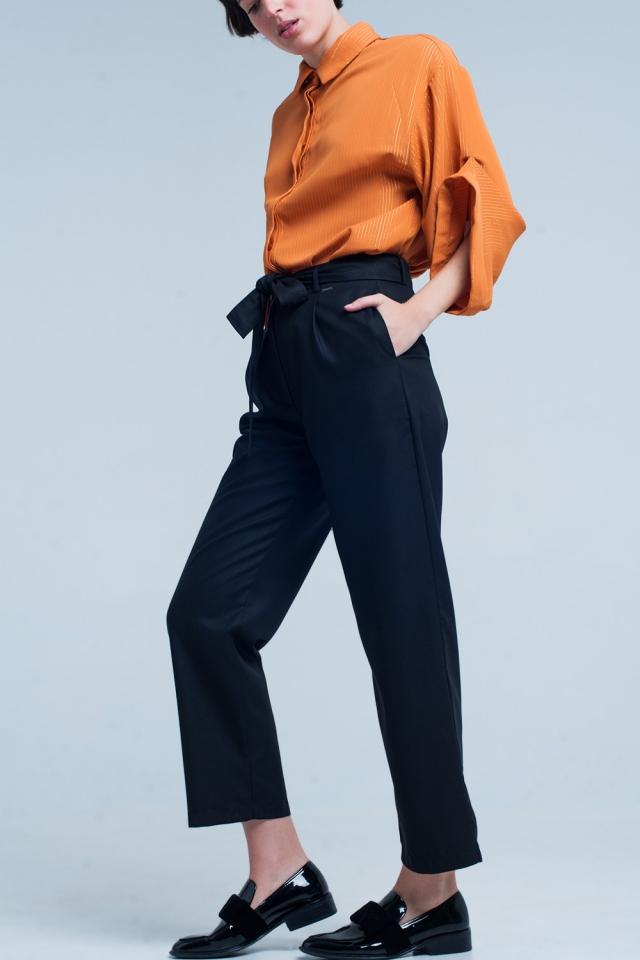 Pantalone nero con farfallino