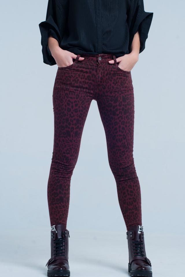 Pantalone skinny rosso con stampa leoparda