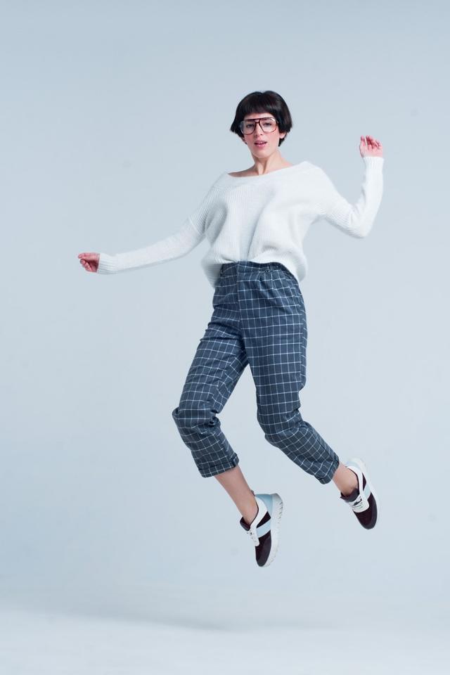 Pantaloni grigi in stampa tartan bianca