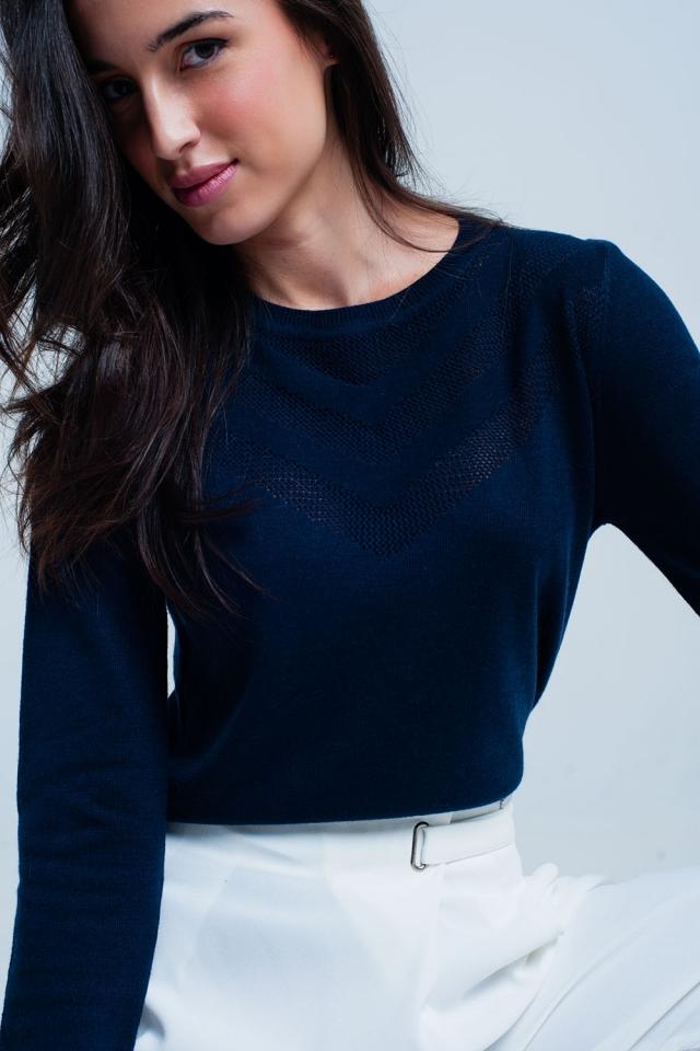 Maglione in lana blu scuro con dettagli testurizzati