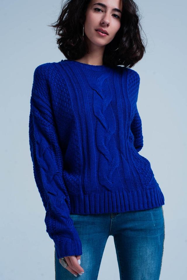 Maglione a trecce blu con girocollo