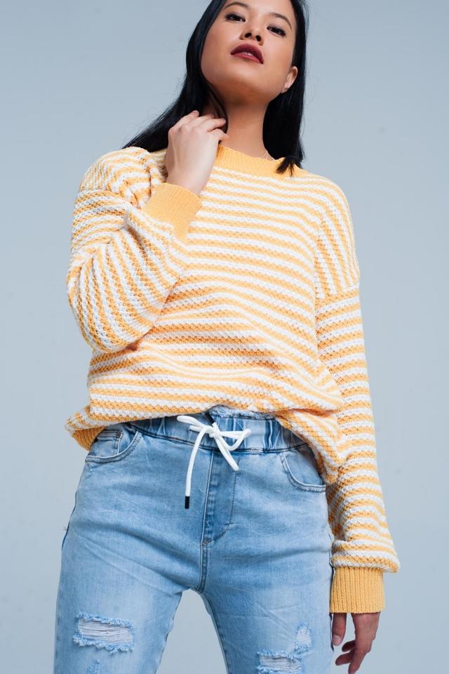 Maglione lavorato a maglia a righe gialle