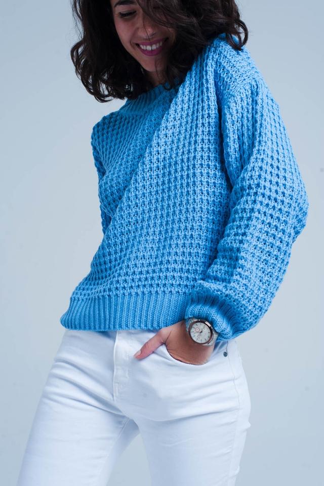 Maglione blu lavorato in piqué pesante