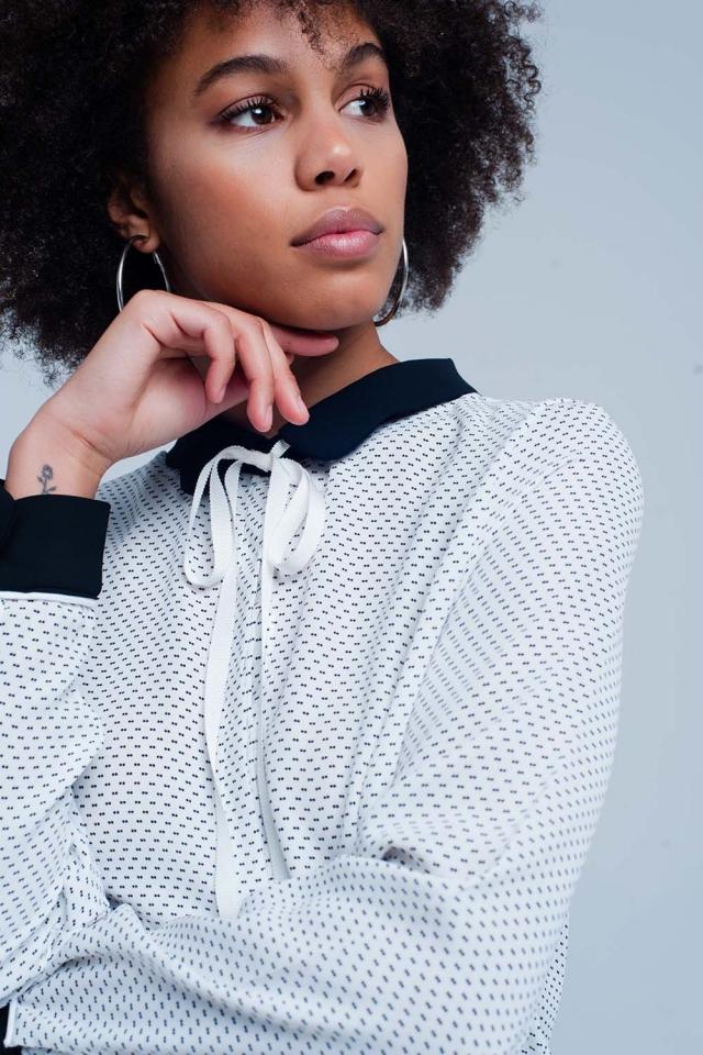 Camicia Bianca con collo e allacciatura