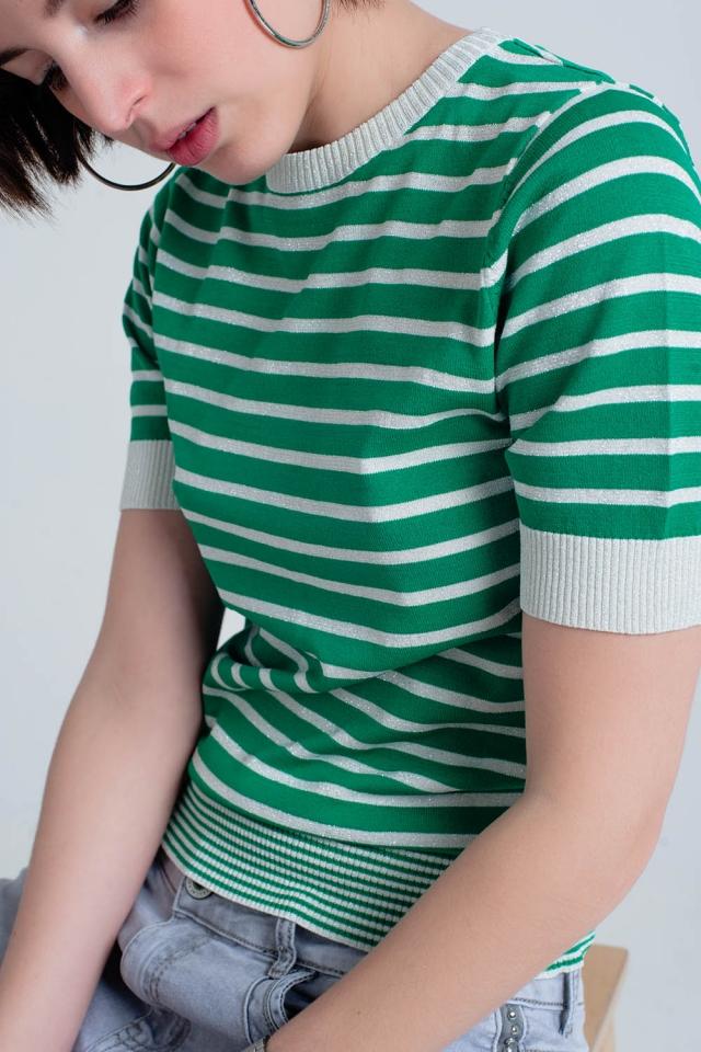 Maglione verde a righe con glitter e maniche corte