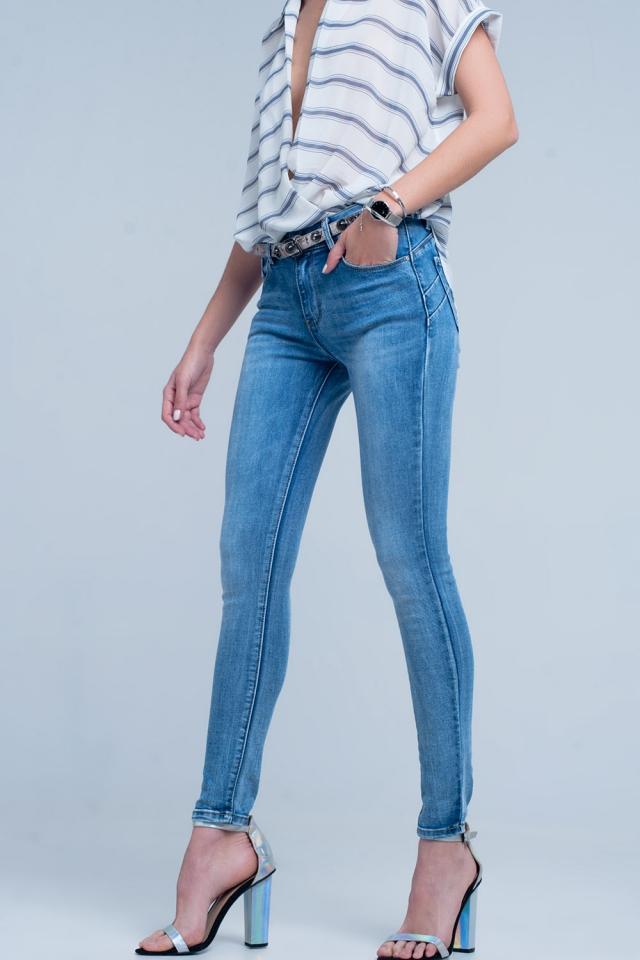 Jeans push-up alla caviglia effetto modellante