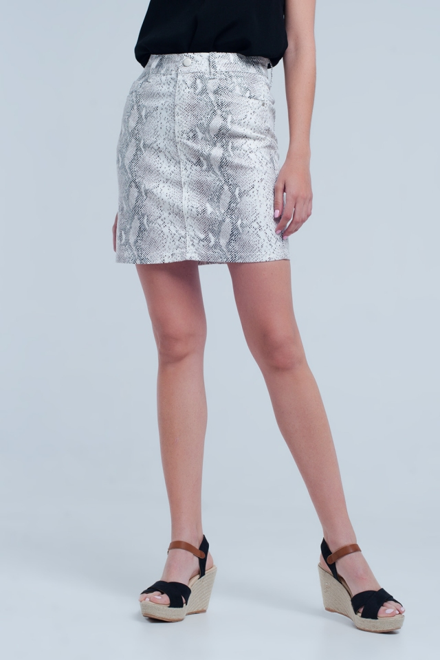 Skirt in snake print