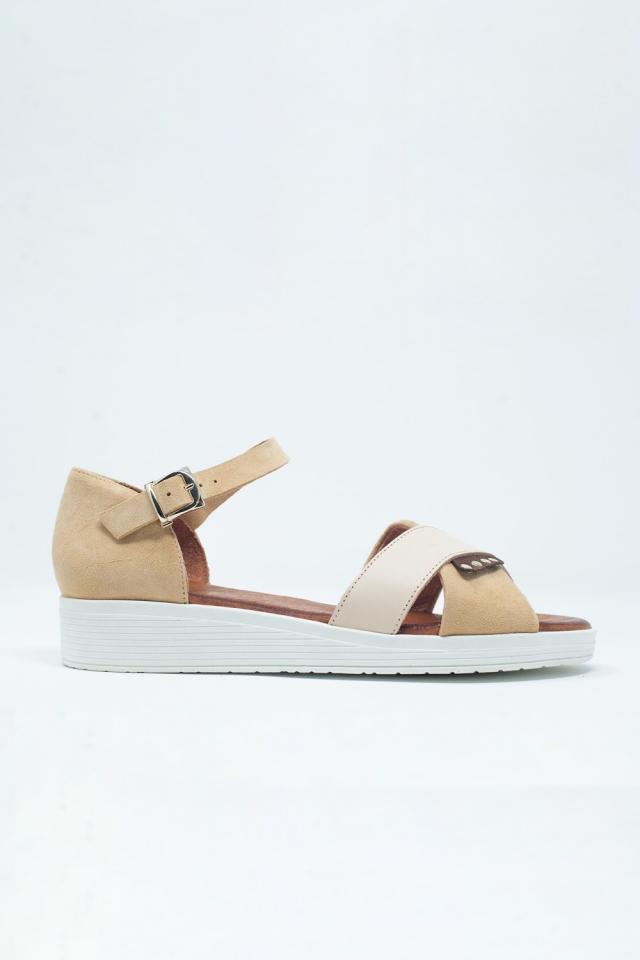 Sandali con cammello chiuso color beige