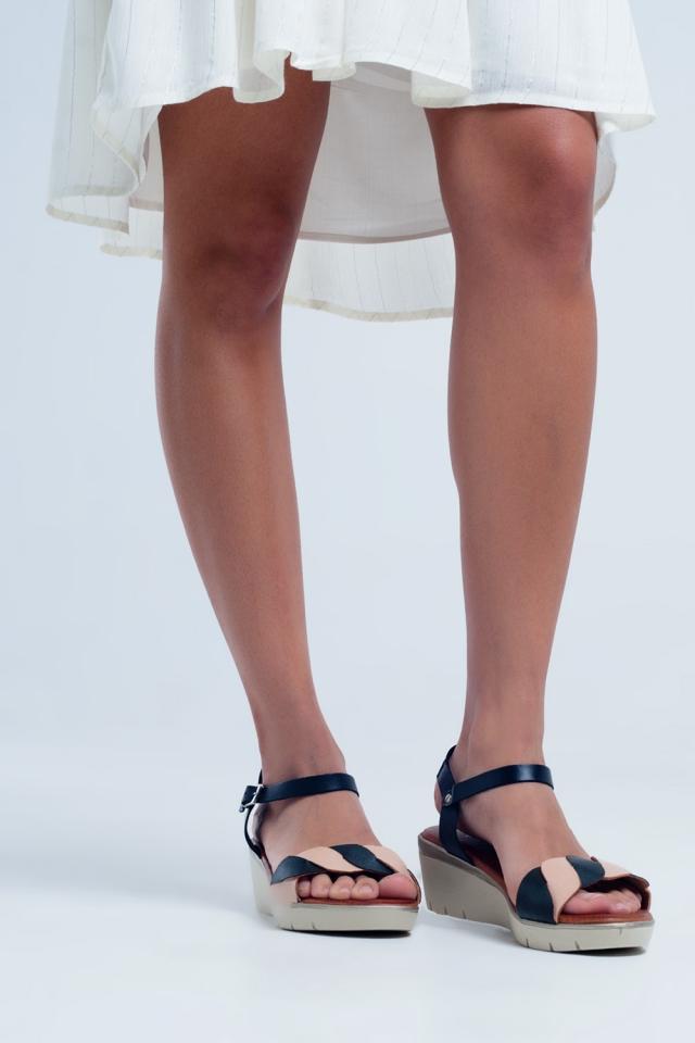 Sandali con zeppa in pelle color nera