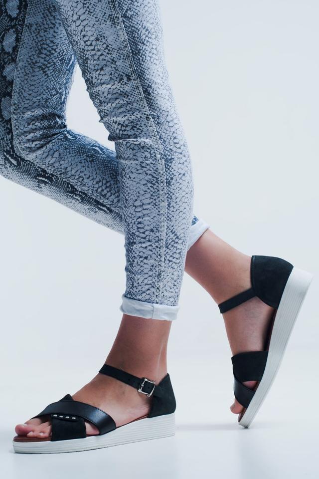 Sandali con cammello chiuso color nero