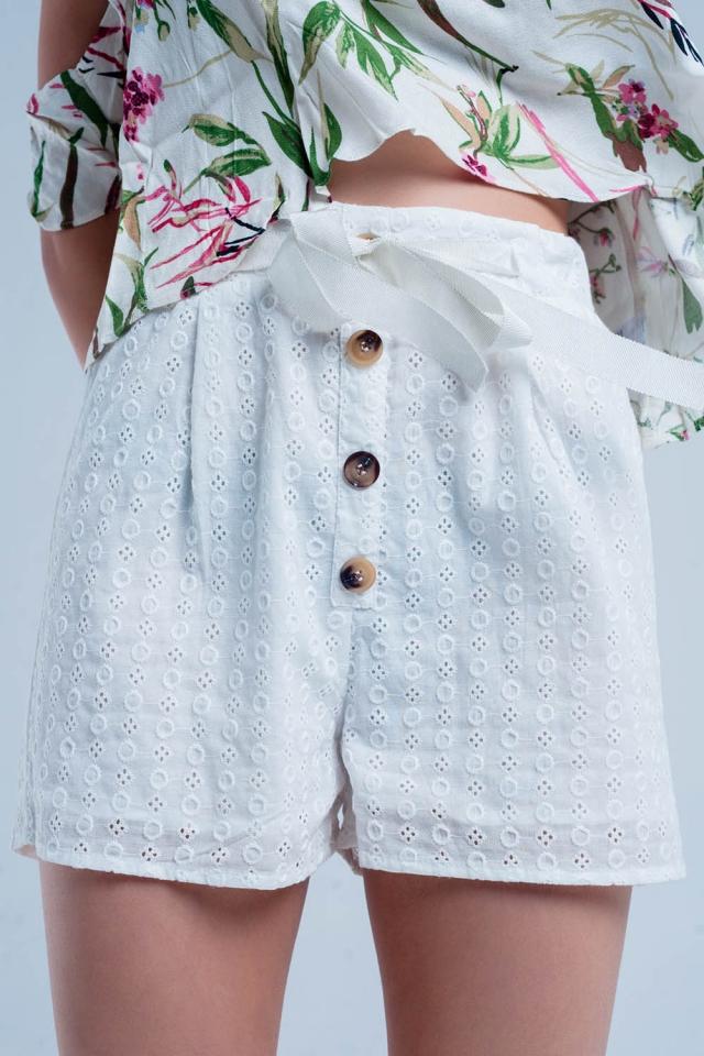 Pantaloncini bianco con abbottonatura frontale