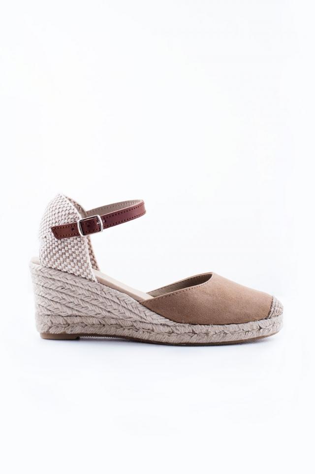 Sandalo con tacco color crema
