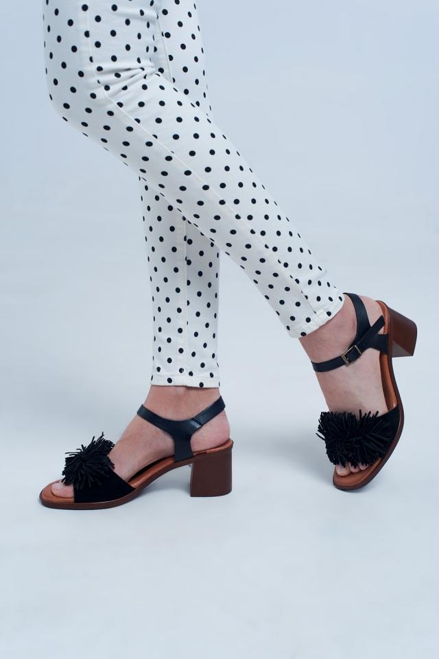 Sandali con tacco alto con Rouches in nero