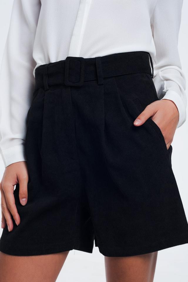 Pantaloncini a coste neri con cintura