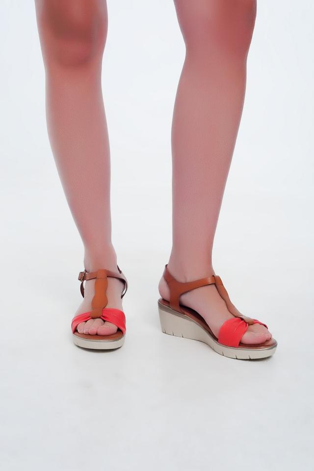Sandali con zeppa colorati cammello e rosso