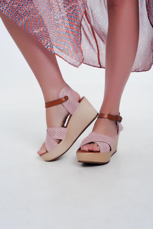 Sandali stile espadrilles in pelle rosa con zeppa alta
