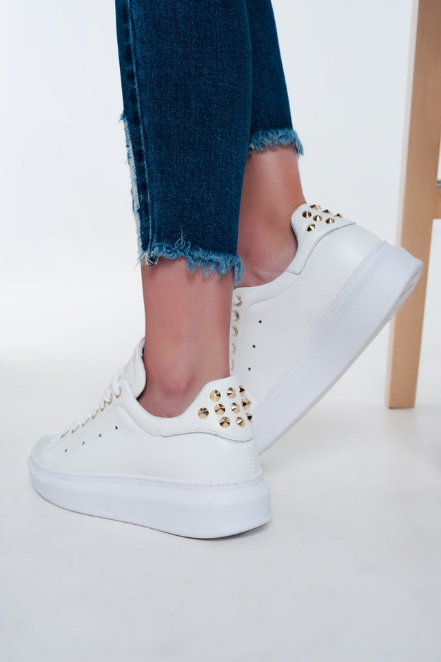 Sneakers flatform bianche Con borchie