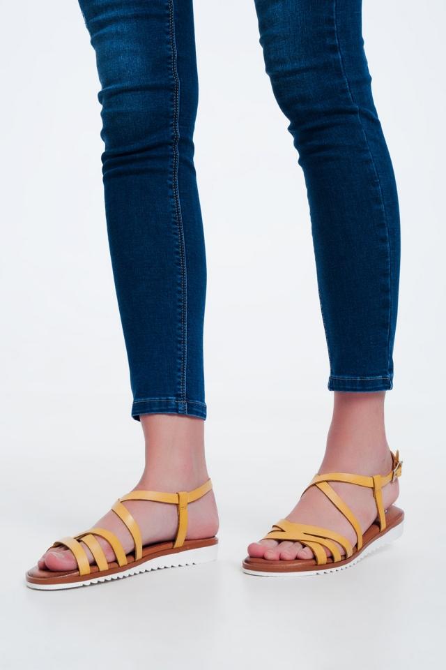 Sandali bassi color Giallo con listini incrociati e cinturini