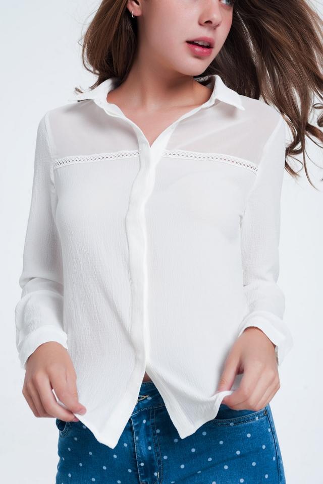Camicia di colore Crema con applicazione al petto