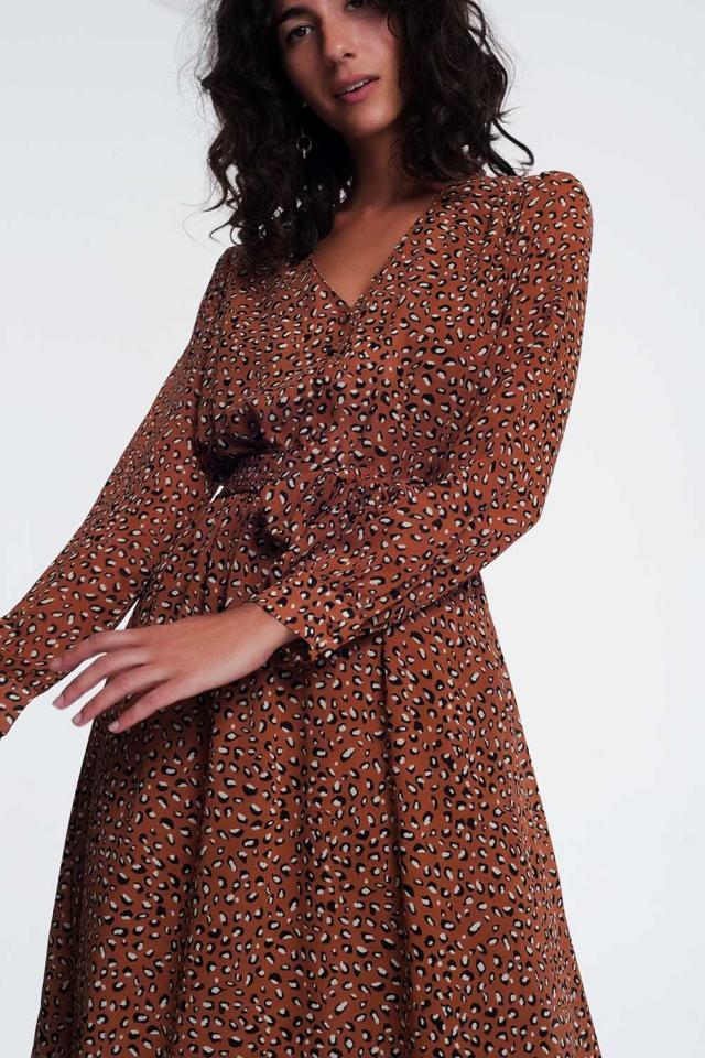 Vestito midi leopardato con scollo a V in marrone