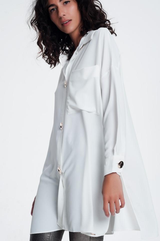 Camicia oversize a maniche lunghe con bottoni in bianca