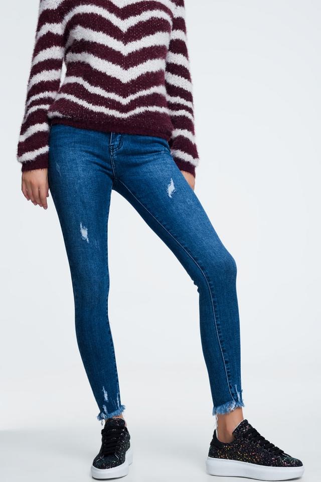 Jeans sfrangiati alla caviglia