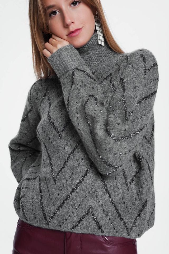 Maglione grigio con scollo tondo e maniche lunghe
