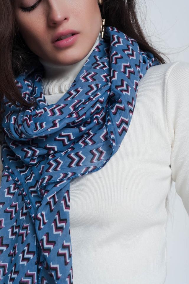 Sciarpa di colore blu con stampa