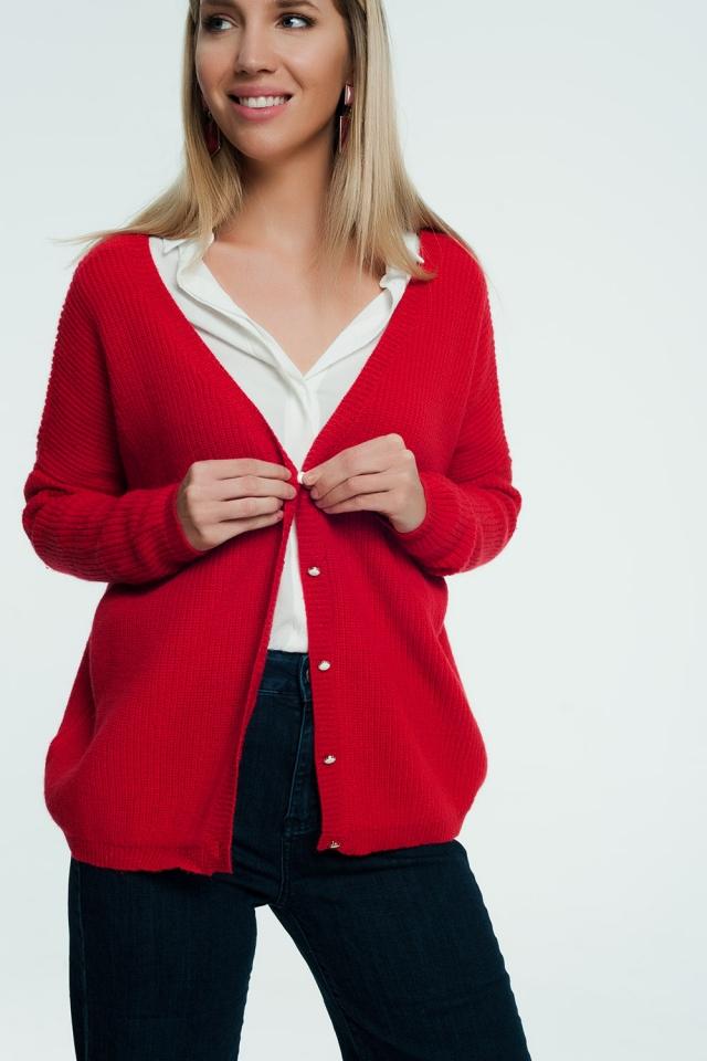 Cardigan rosso con bottoni di perle
