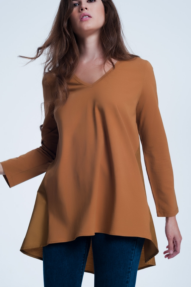Long brown t-shirt with long sleeves