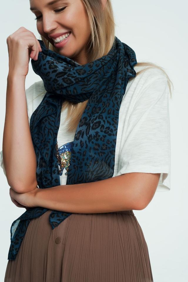 Sciarpa blu con stampa leopardata