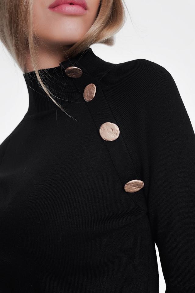 Maglione dolcevita nero con bottoni oro