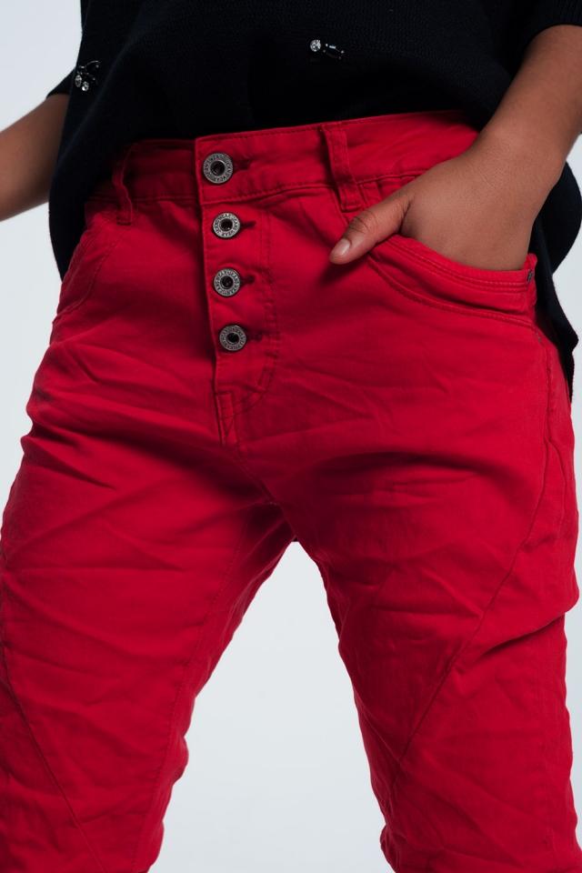 Jeans dal taglio originale in rosso