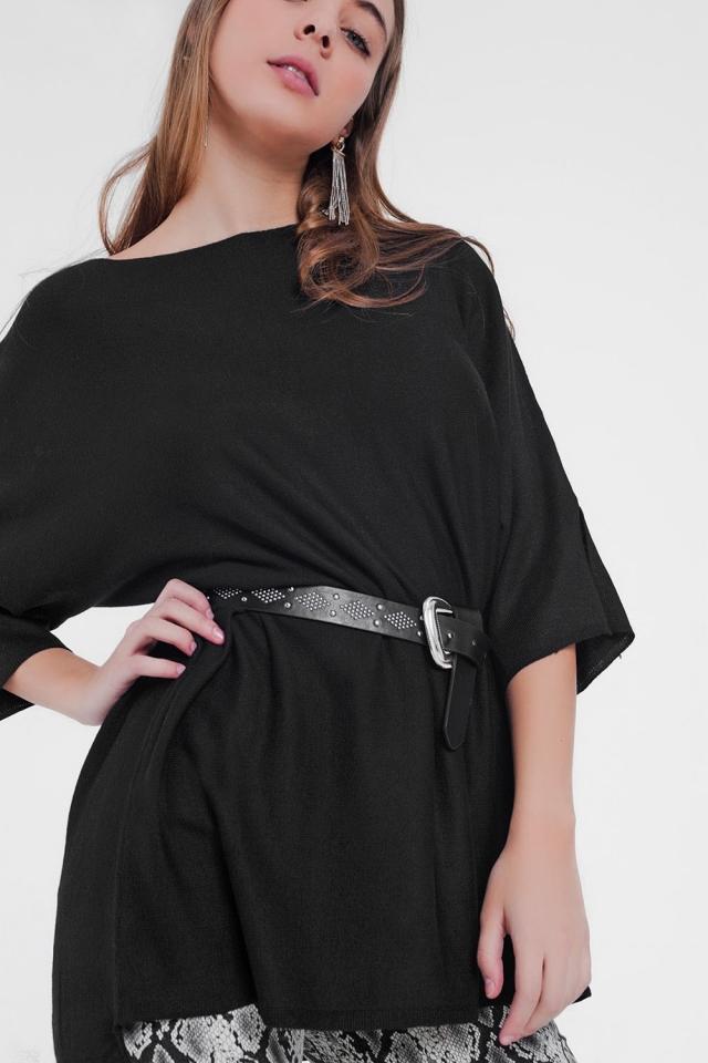 maglia nera oversize e manica corta