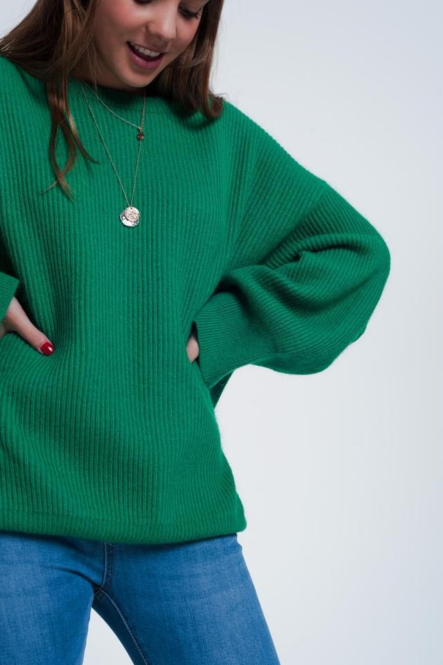 Maglione verde oversize ad ali di pipistrello