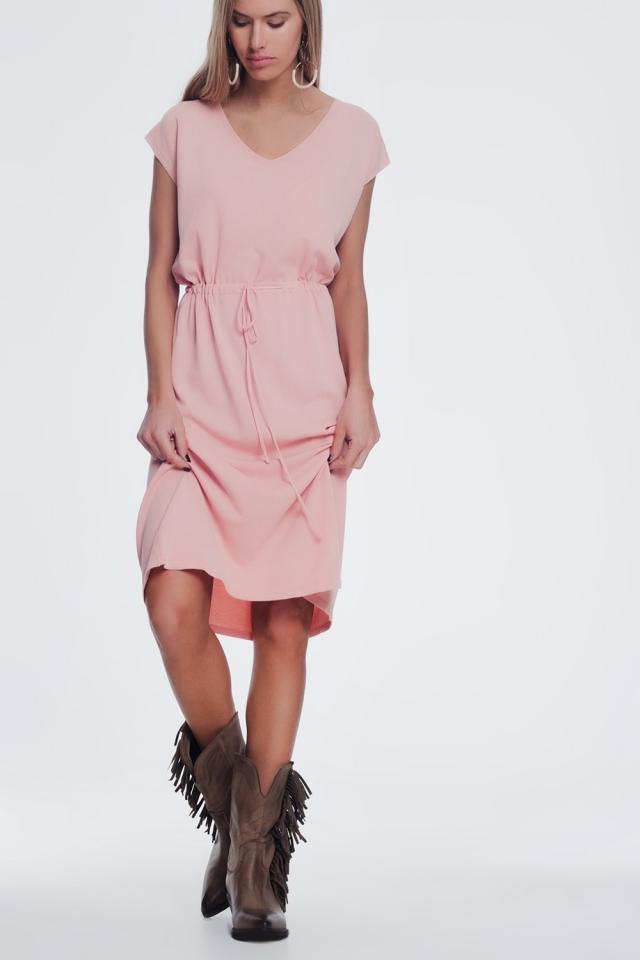 Abito t-shirt rosa a maniche corte con cintura annodata