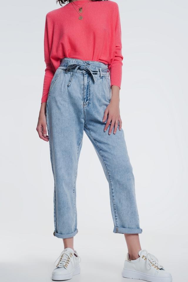 Jeans a taglio dritto in denim leggero con cintura